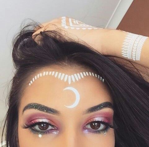 Makeup, halloween makeup ideas, halloween makeup looks, Cute Halloween Makeup, Last minute Halloween Makeup ideas, not so scary halloween makeup looks,
