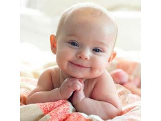 Foto Anak Bayi Yang Lucu