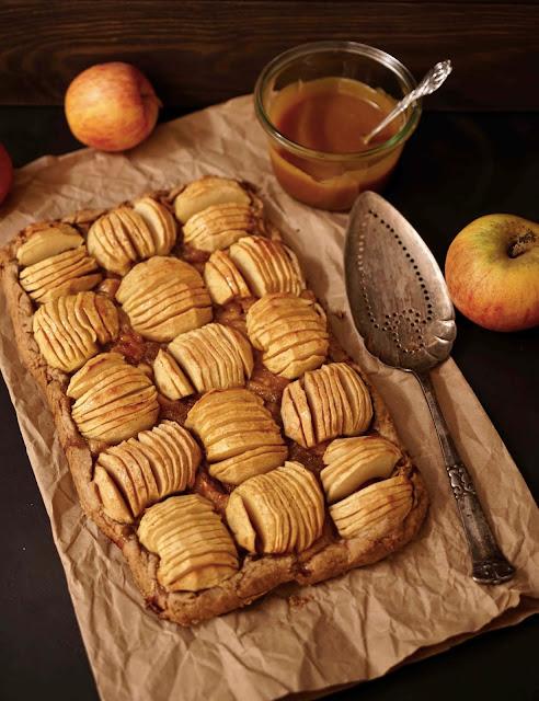 tarte aux pommes , dessert de saison , compote , épeautre , pâte rustique