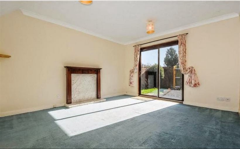 buy-to-let fishbourne chichester lounge