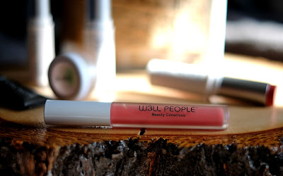 W3ll People Bio Extreme Lipgloss in Grapefruit