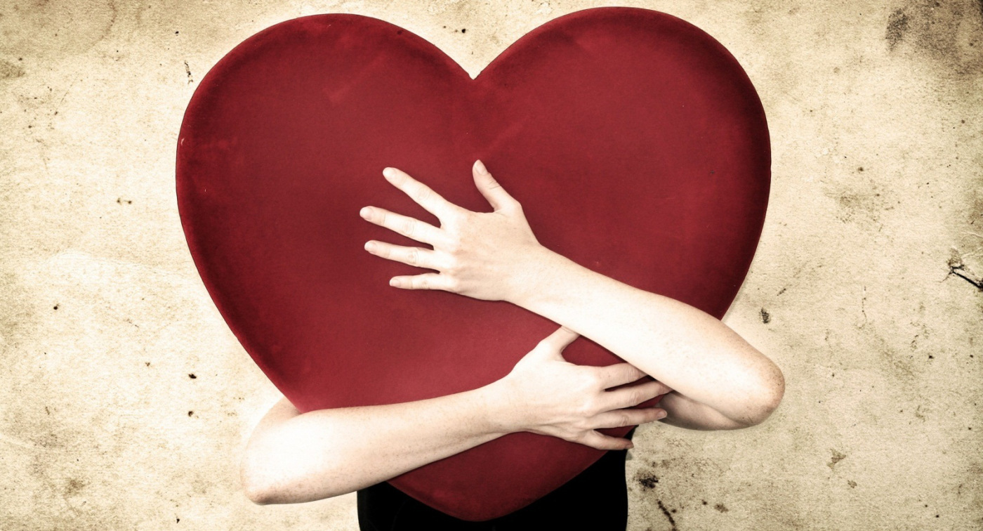 Aşık Kadın Erkekteki Kusurları Görmez