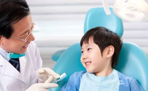 Cara Mengajak Anak ke Dokter Gigi Dijamin Berhasil
