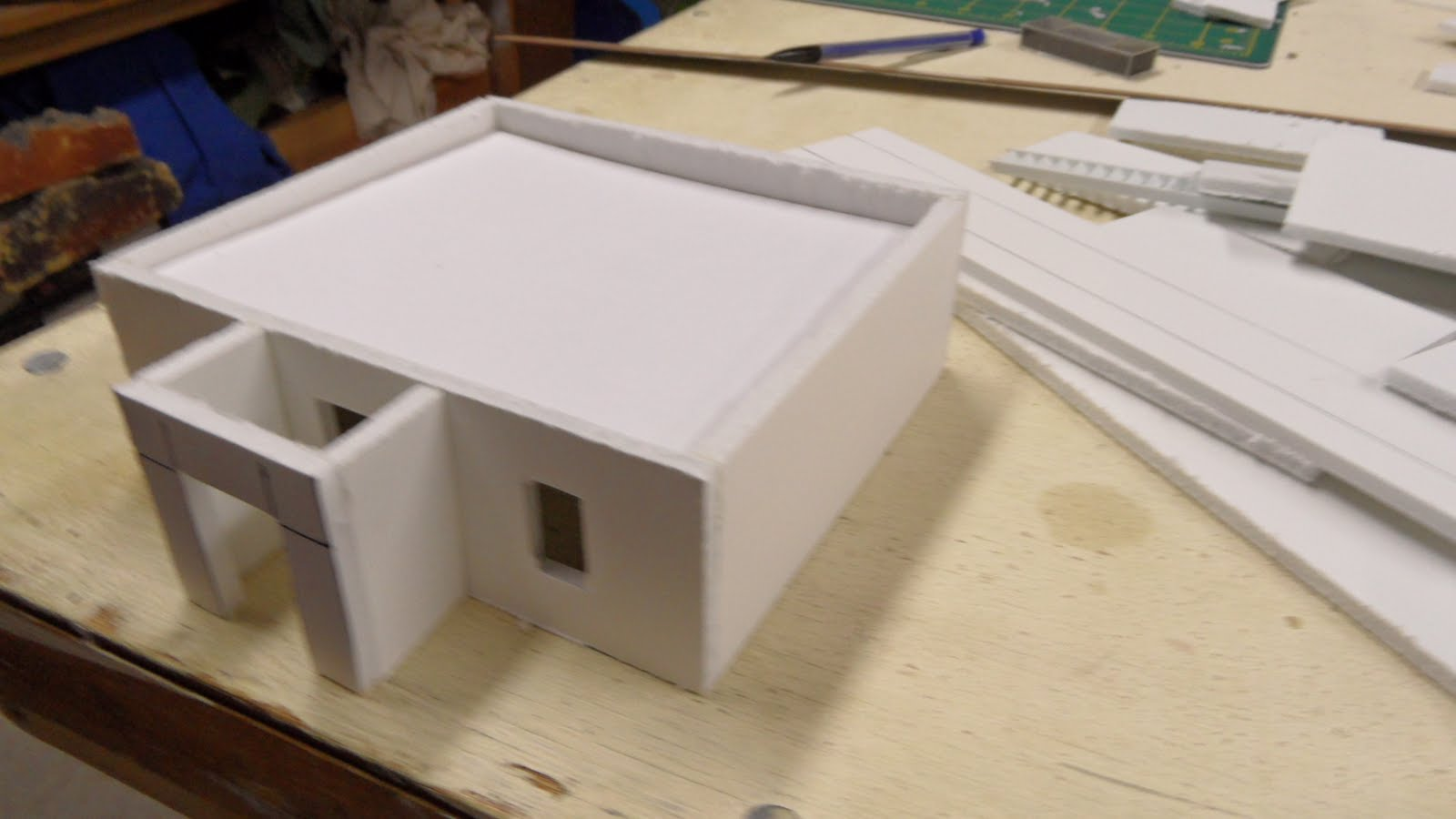 Anton's Wargame Blog: NEWS FLASH! Three men build village in under