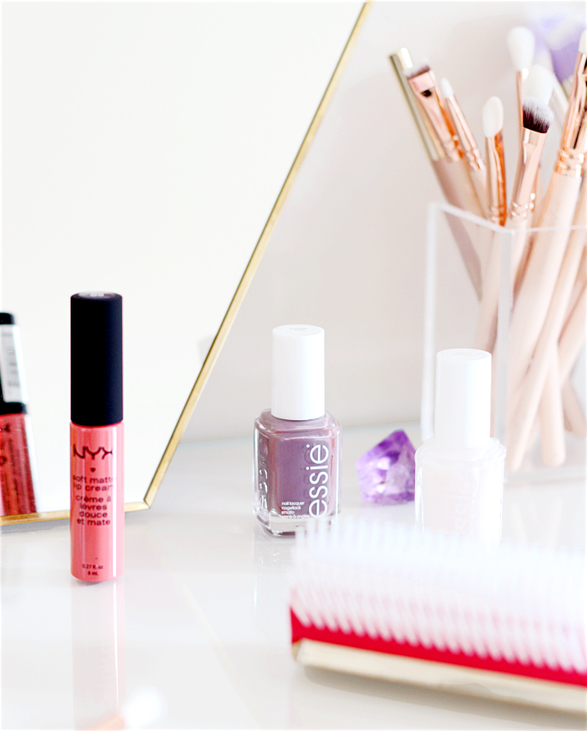 beauty blogger essie