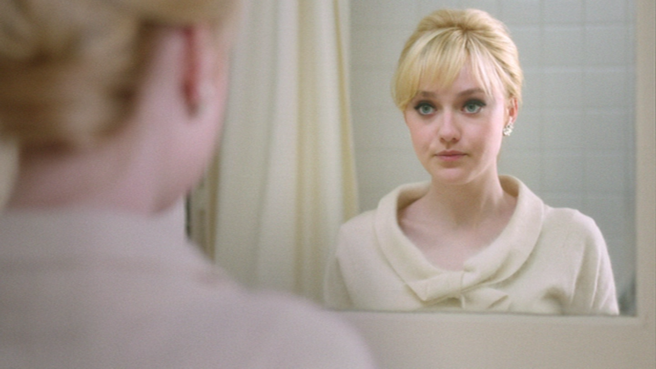 Movie and TV Screencaps: Dakota Fanning as Beverly Aadland ... Dakota Fanning Blog