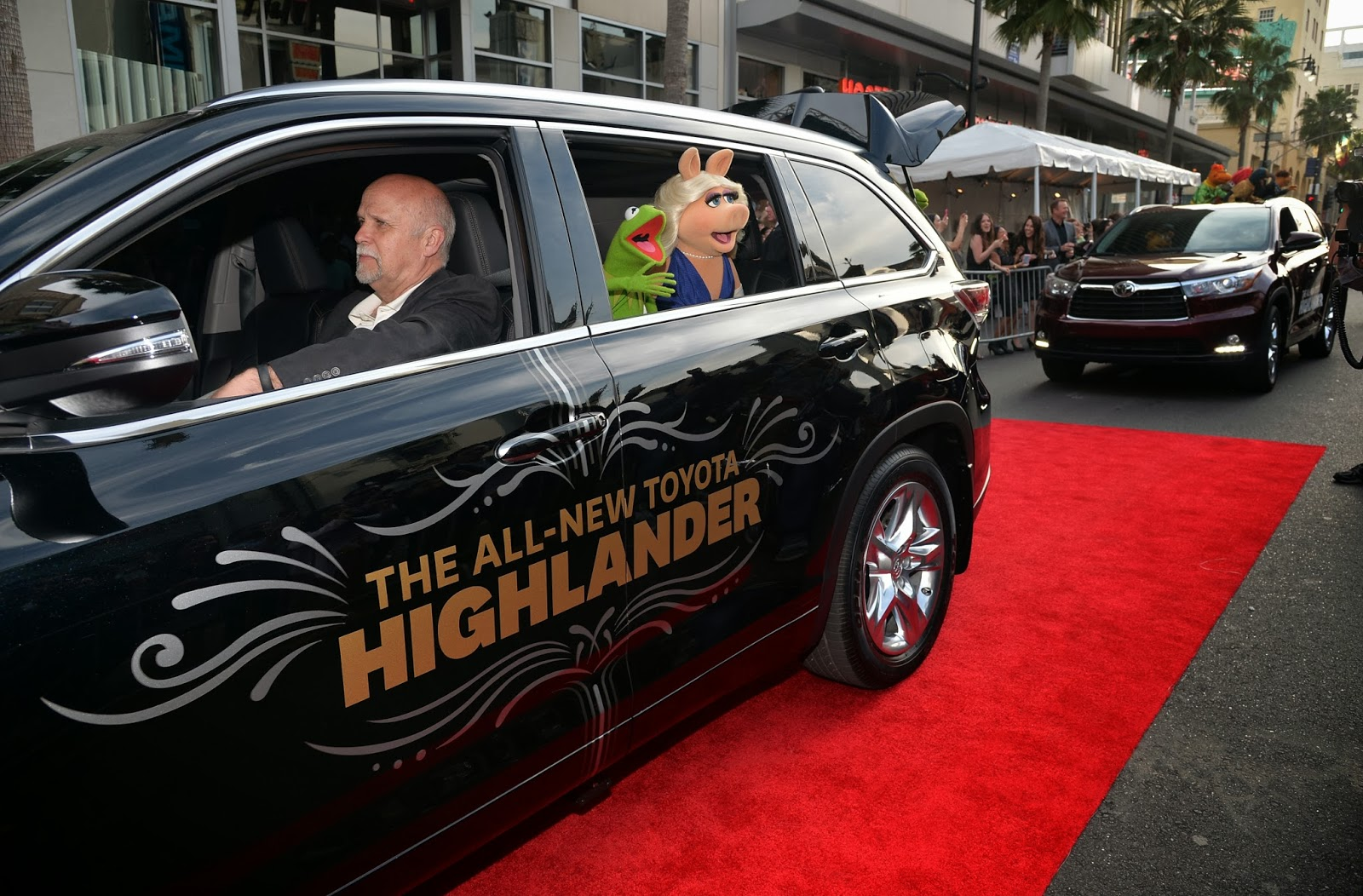 Sasaki Time: Muppets Most Wanted World Premiere Photos!