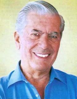 Mario Vargas Llosa con linda sonrisa