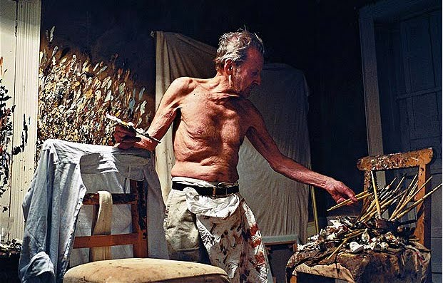 photo of Lucian Freud working at night by David Dawson, 2005