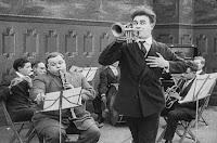 "Кадр из фильма Чарли Чаплина ""Танго-путаница"" (1914) - 9"