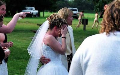 Hochzeit crashen - lustige Flitzer - Braut traurig