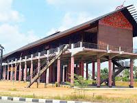 Rumah Panjang, Rumah Adat Provinsi Kalimantan Barat