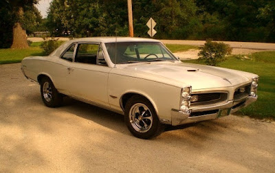 1966 Pontiac GTO Hardtop Coupe Front Right