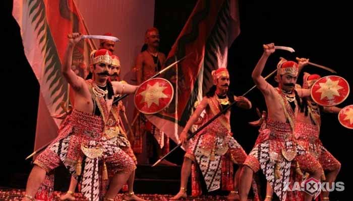 Gambar Tari Prawiroguno, Tarian Tradisional Jawa Tengah
