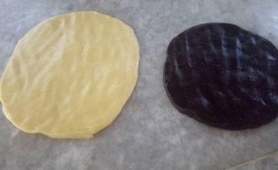 حلوة الطبقات بالمربى أو كعكة الصينية التركية