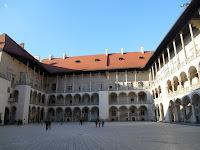 cortile del palazzo reale cracovia