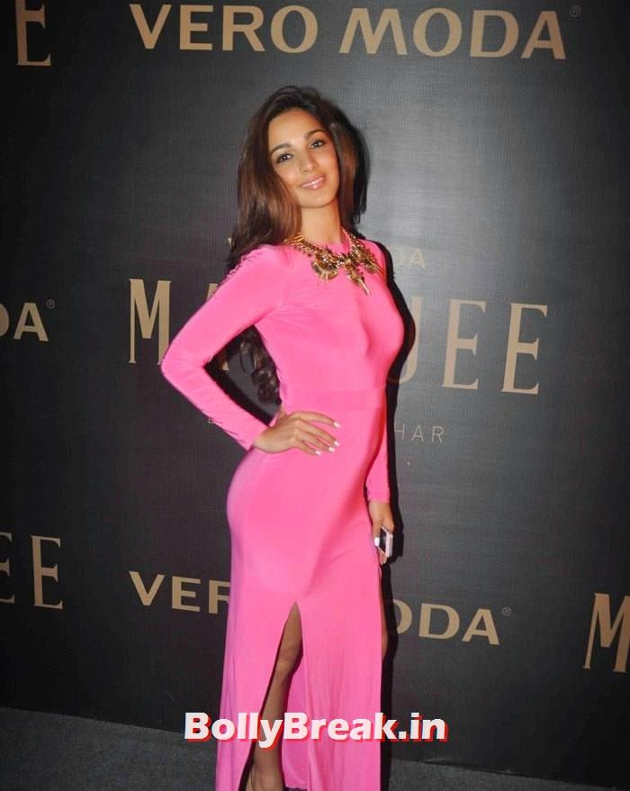 , Kiara Advani Hot Pics in Pink Gown Dress