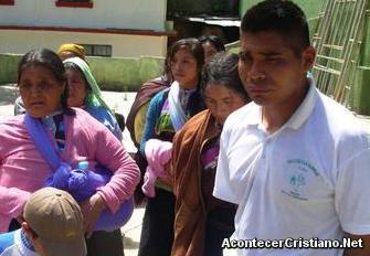 Evangélicos de tzotziles agredidos por autoridades católicas