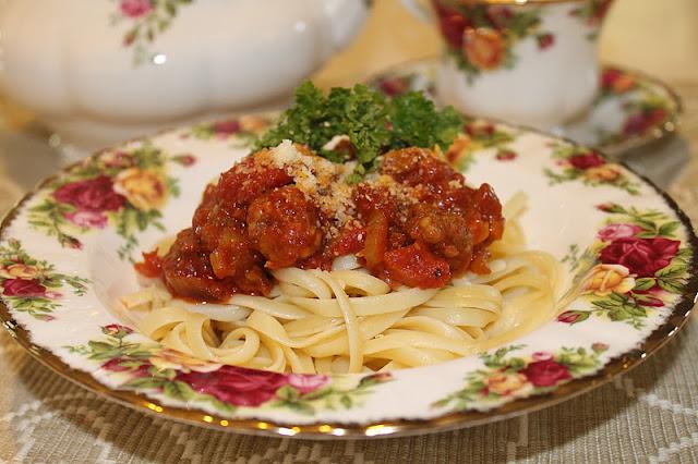 Spaghetti alla Bolognese with Meatball