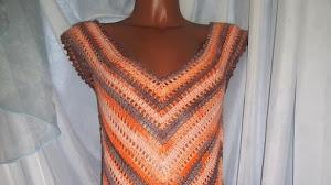 Hermoso vestido tejido con ganchillo