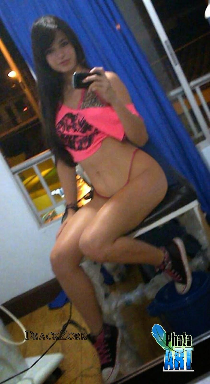 Nena sexy de colombia muestra su blanco cuerpo desnudo 9