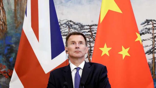 El canciller británico, Jeremy Hunt, en una conferencia de prensa en Pekín, China, el 30 de julio de 2018.