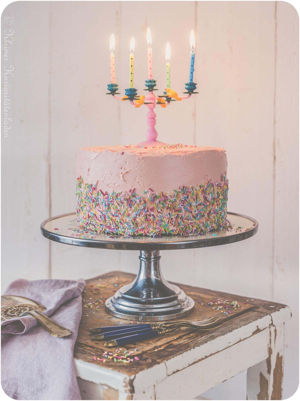 Kleiner Kuriositätenladen: Funfetti Cake zum 10. Bloggeburtstag