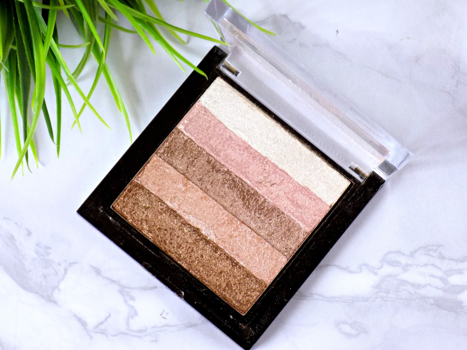 Makeup Revolution Shimmer Brick in Radiant