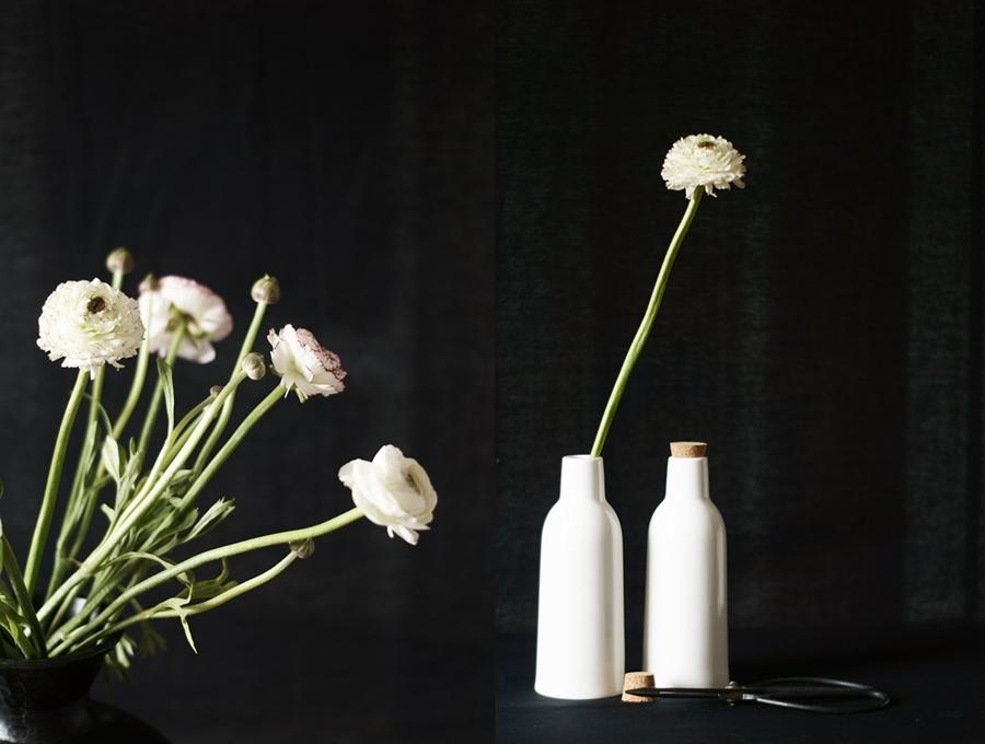 Blog + Fotografie by it's me!, Collage mit Ranunkeln und weißen Keramikflaschen