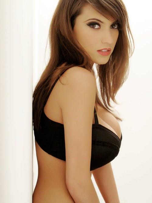 Gorgeous Teen Busty 114