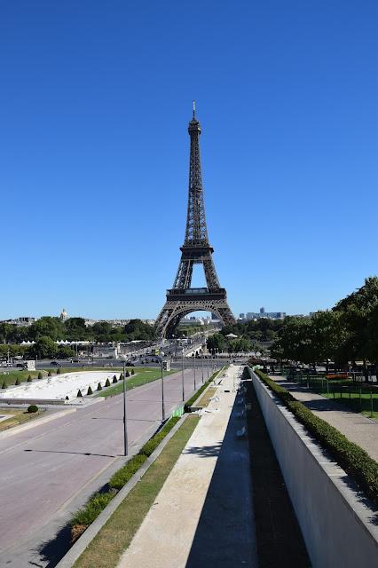 Paryż w pigułce #2 - La Tour Eiffel - zdjęcie 8 - Francuski przy kawie