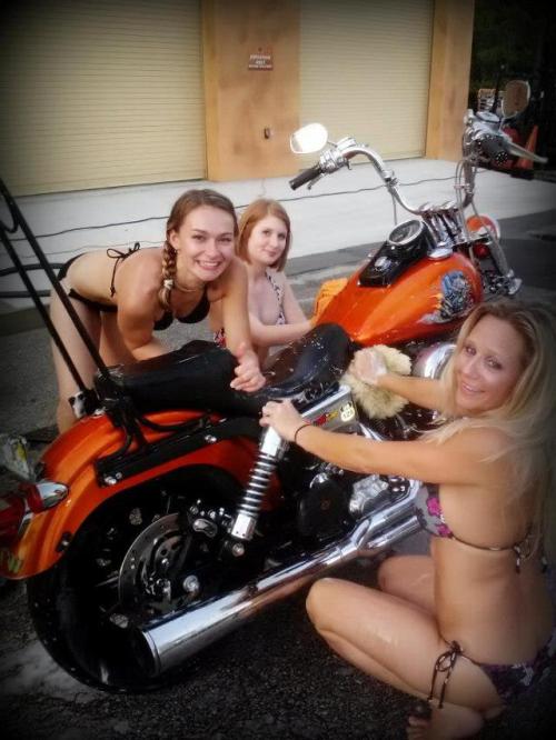 Mulher lavando moto, gostosa lavando moto, babes washing bike, Woman washing bike, Mulher cuidando moto, gostosa cuidando moto, babes caring bike, Woman caring bike, babe om bike,gostosa na moto, girl on bike, sexy babe on bike, sexy on motorcycle, babes on bike, ragazza in moto, donna calda in moto, femme chaude sur la moto, mujer caliente en motocicleta, chica en moto, heiße Frau auf dem Motorrad, gatto, donna, sensuale, moto, caldo Katze, Frau, sinnlich, Женщина, сексуальная, мотоциклы, сексуальные, бикини