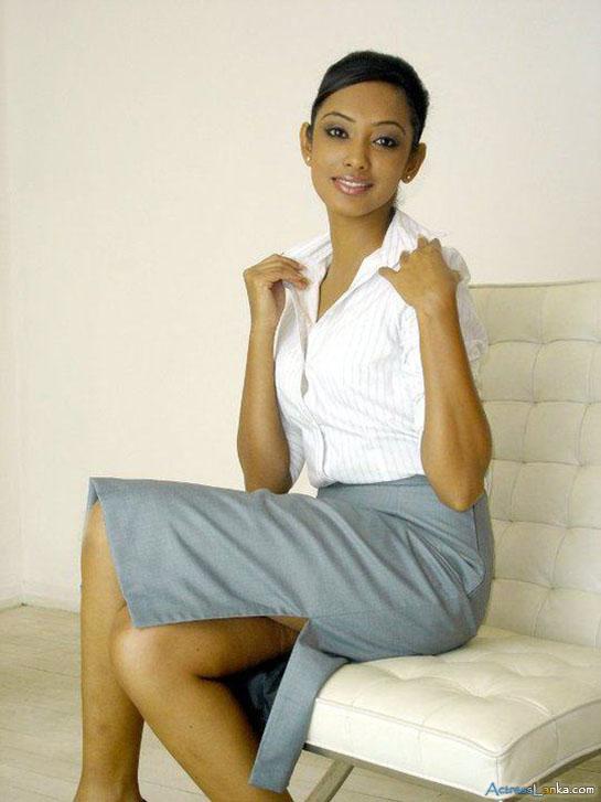 Hot Blog Post: Sri Lankan Actress Yureni Noshika Hot New