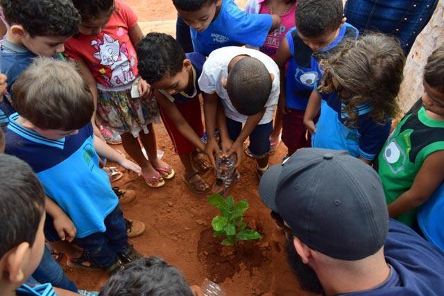 ENGIE celebra Dia da Árvore com plantio de mudas em Umburanas