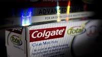 FDA prohibe el uso de COLGATE por la presencia de triclosán elemento altamente peligroso