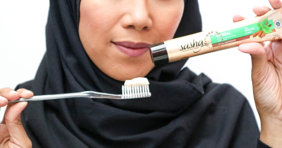 Sasha Inovasi Pasta Gigi Halal Dengan Serpihan Siwak Asli Herbal
