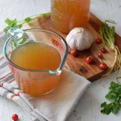 Receta para preparar caldo con restos de vegetales y verduras