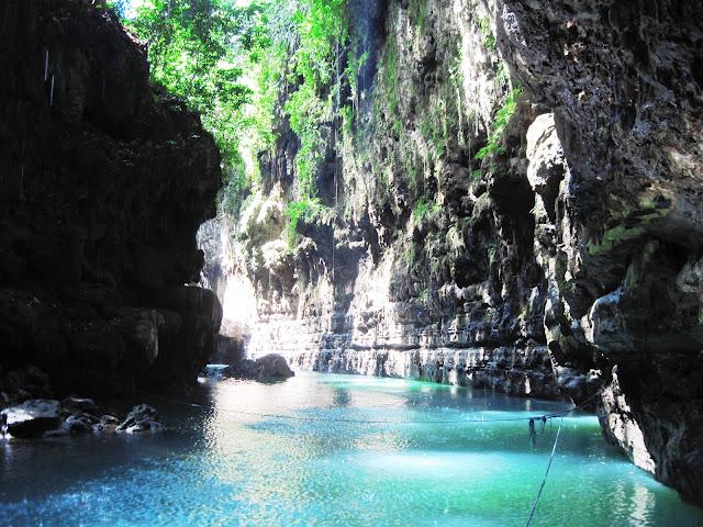 "Keindahan Nusantara ""Green Canyon"" di Pangandaran"