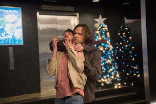 "DJ Qualls as Garth and Jared Padalecki as Sam Winchester in Supernatural 14x09 ""The Spear"""