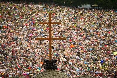 Csíksomlyó, csíksomlyói búcsú, pünkösd, magyarság, egyház, hit, Hármashalom-oltár,