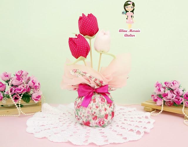 lembrancinha lembrança centro de mesa útil festa aniversário debutante 15 anos barato preço bom promoção peso de porta flores tulipas de tecido