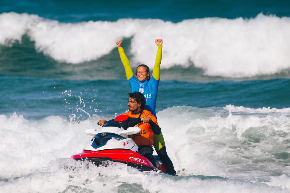 12 Courtney Conlogue USA Cascais Womens Pro 2015 WSL Thomas Lodin