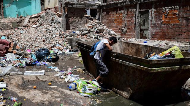 """Argentina aumenta su """"pobreza multidimensional"""" al 31,3% de la población"""