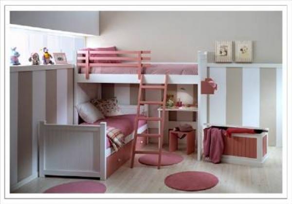 Habitaciones con la cama arriba del escritorio for Camas divan juveniles