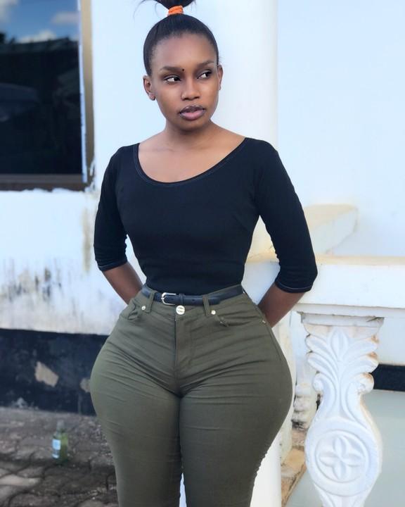 Photos Meet Tiny Tanzanian Lady With Big Hips -4002