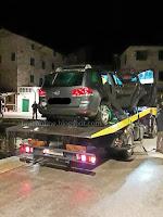 Osobni automobil završio u moru Postira slike otok Brač Online
