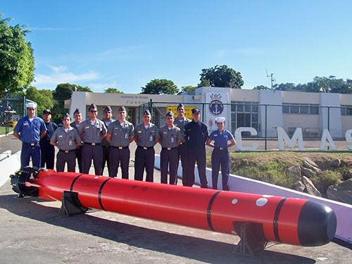 El Centro de Misiles y Armas Submarinas de la Marina (CMASM) recibió el 2 de mayo dos mock-ups (modelo en escala) de los torpedos F-21