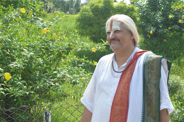 Swami Shri.
