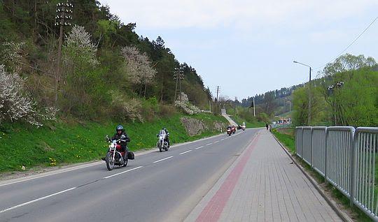 Droga wojewódzka nr 892 w Komańczy.