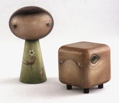 Juguete hecho de madera pintada a mano